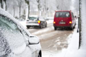 Mit ihrer speziellen Gummimischung und ihrem Profil bieten Winterreifen optimalen Grip bei winterlichen Straßenverhältnissen.